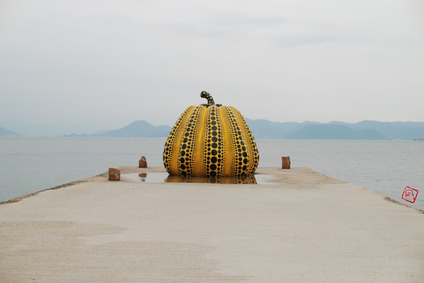 275-1-naoshima-pumpkin